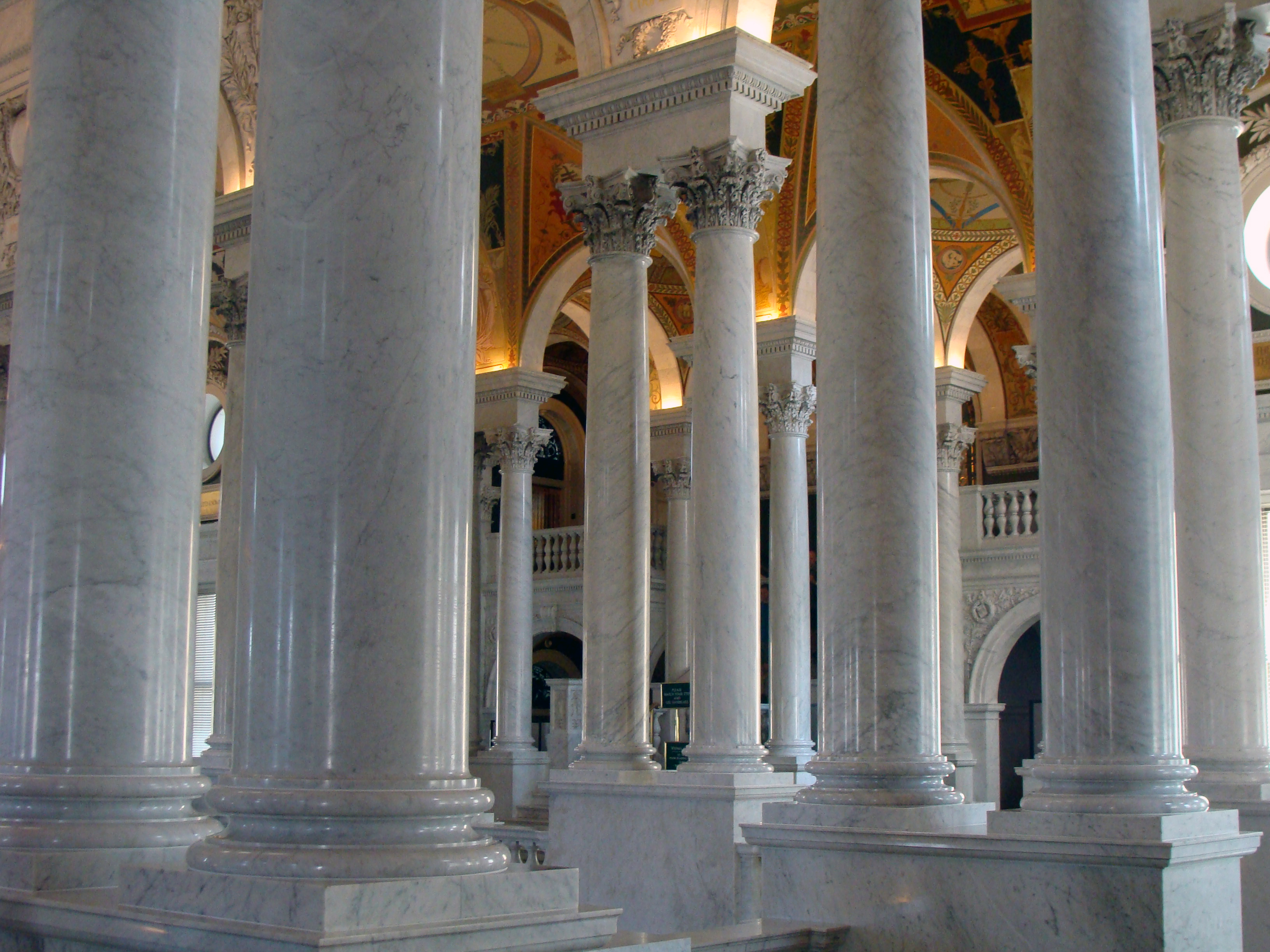Library_of_Congress_Entrance_Hall_Columns